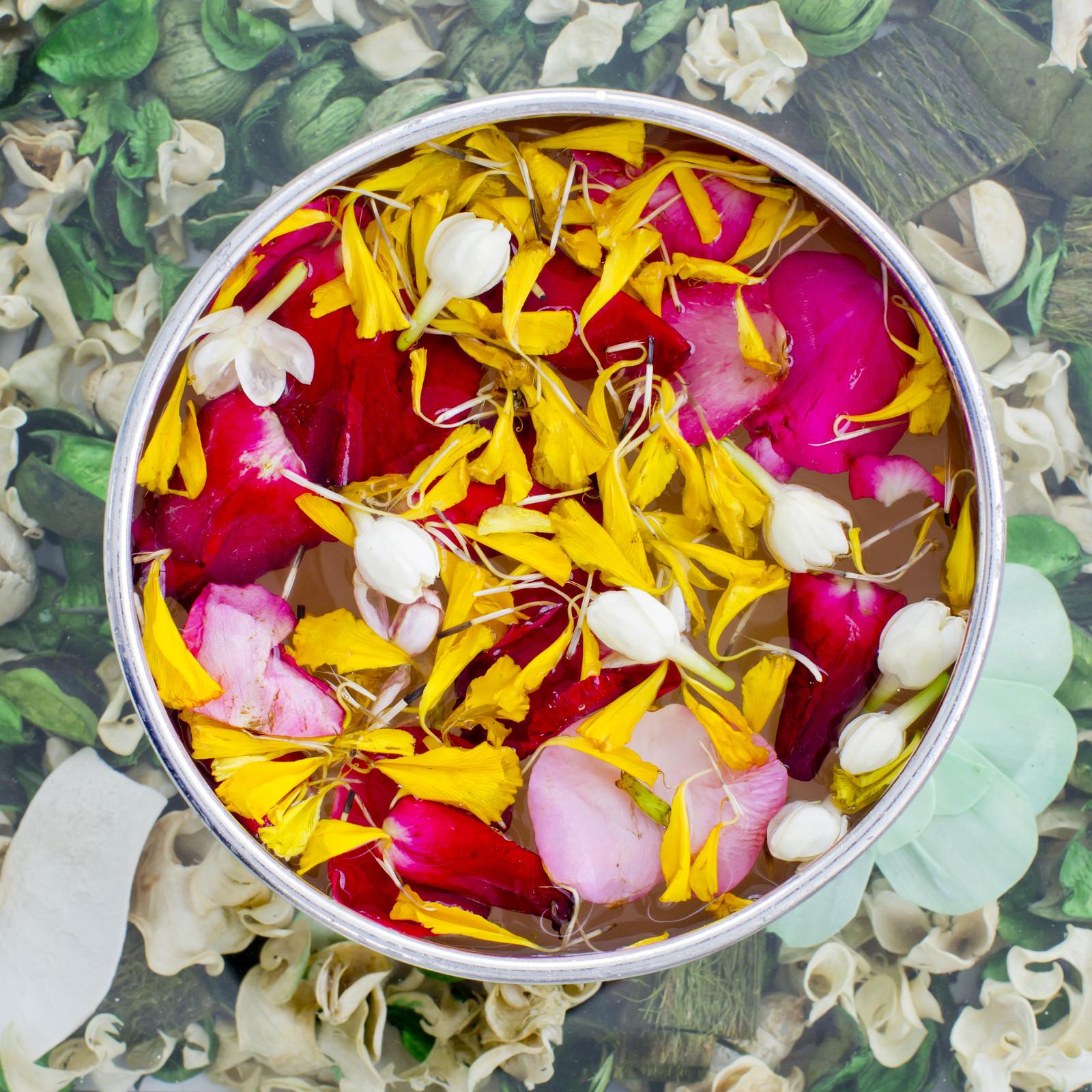 Jasmine and Roses Surplus Fragrance Oil